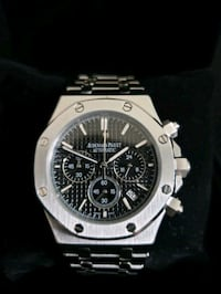 round silver-colored chronograph watch with link bracelet Toronto
