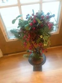 green and red decoration tree. christmas 901 mi