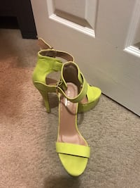 Green and brown leather open-toe ankle strap heels North Little Rock, 72113