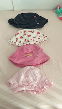 Lots of summer hats -5$  Laval, H7W 2Z8