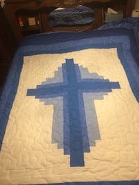 Blue and white queen size quilt Little Rock, 72209