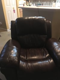 Leather recliner  Fuquay Varina, 27526