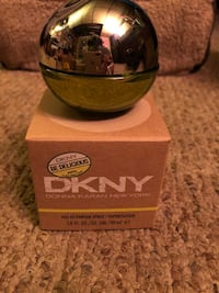 DKNY Be Delicious 1.0 fl oz FULL bottle. Never been used and comes with box. East Providence, 02914