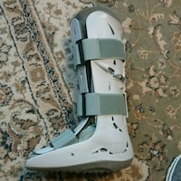 Aircast Boot, fits either foot..Excellent Conditio