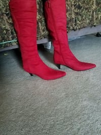 New pair of red suede boots  Hesperus, 81326
