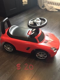 toddler's red ride-on car toy Montréal, H1L