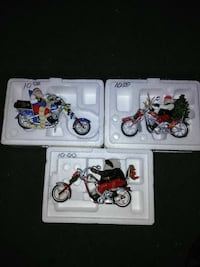 three motorcycle scale models Painesville, 44077