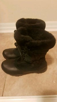 Columbia Winter boots girls Milton, L9T 7R1