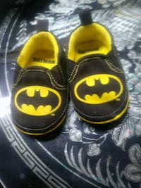 toddler's pair of black and yellow Batman shoes Akron, 44319
