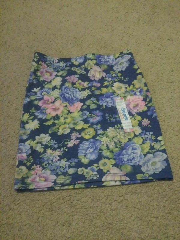 b33f62af2f Used blue, white, and green floral skirt for sale in Hollister - letgo