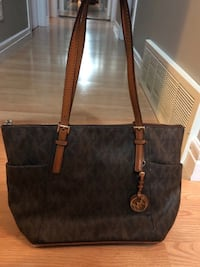 Black and brown michael kors leather tote bag Edmonton, T6B 2X9