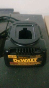 Dewalt 7.2 to 18 volt charger Clinton, 20735