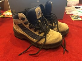 Hiking boots women's