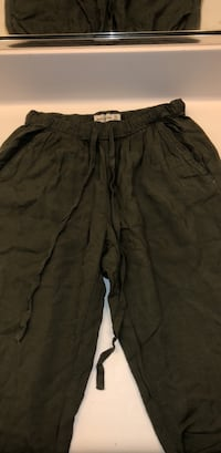 Abercrombie & Fitch Army Green Pants (XS)  Temecula, 92591
