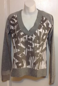 Grey & white print light sweater: size xs