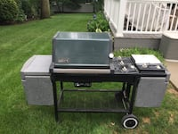 Black and gray gas grill Oyster Bay, 11771