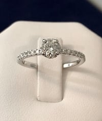18k White gold diamond engagement ring *Appraised at $4,000 // Stunning ! Vaughan, L4J 0H6