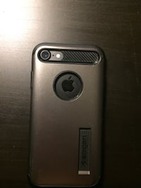 Black i phone 7 with case Oakville, L6H
