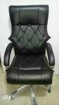 black leather padded rolling armchair Bengaluru