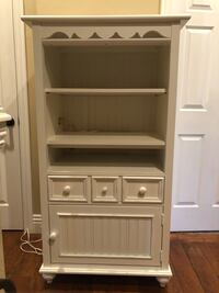 Stanley White wooden shelf with cabinet Las Vegas, 89145