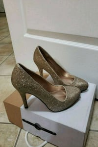 Brand new gold sparkle shoes.  Mississauga, L5M 8A9