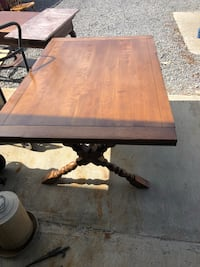 Cushman table and 6 chairs  Butler, 16053