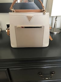white leather Michael Kors tote bag Adjala-Tosorontio, L0M 1M0