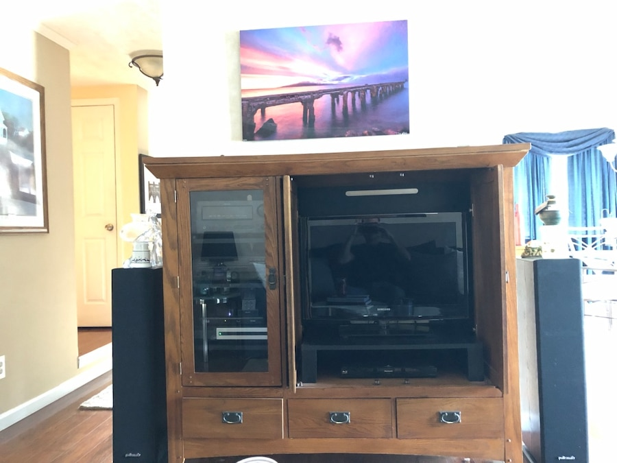 Will Fit 32u201d Flat Panel TV. Equipment In Cabinet Not