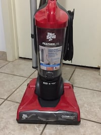 Dirt devil featherlite uptight vacuum