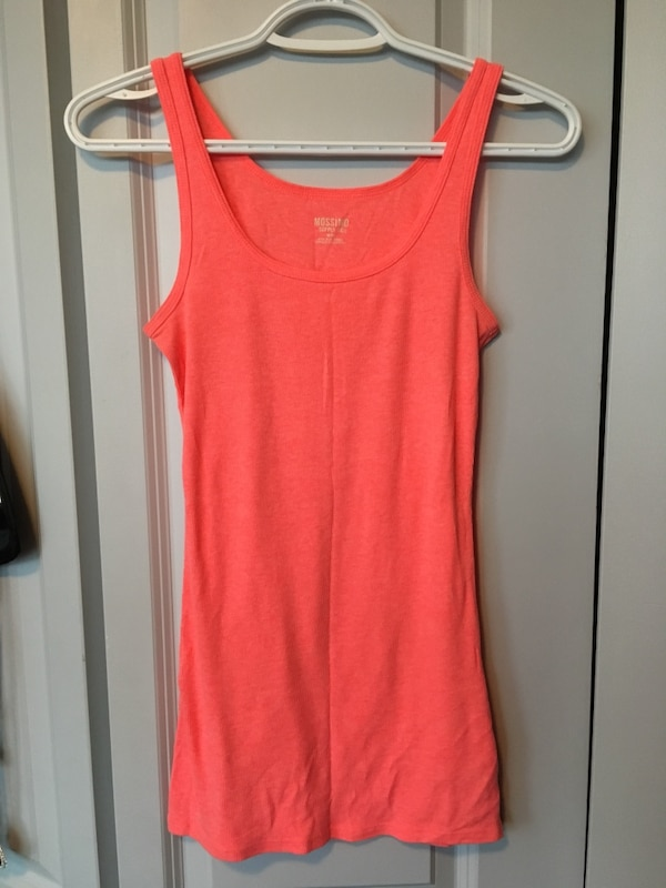 Tanks size small $5 each or 3 for $10 39139869-290b-4698-a967-77be0815d19f