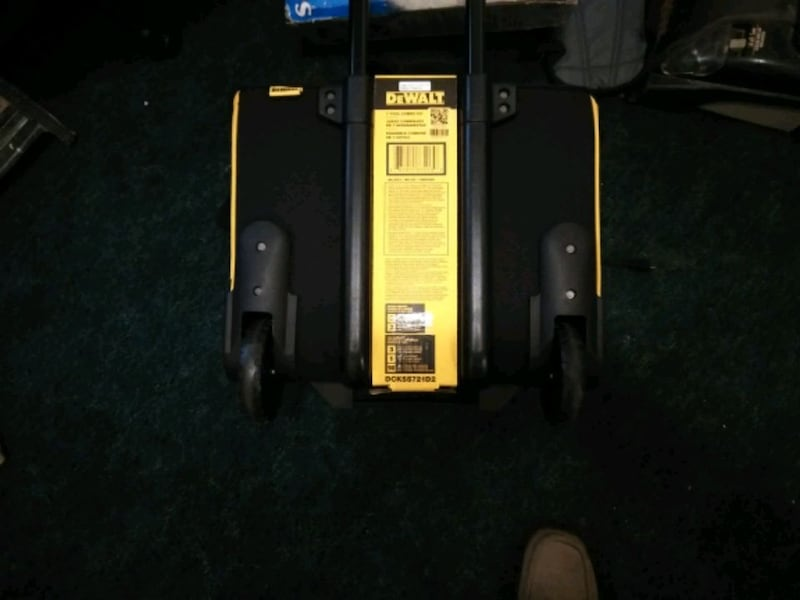 new DeWalt 7 combo tool kit with two 20-volt lithium ion batteries 650102e8-1ad8-41ac-9e20-a93bf480ae45