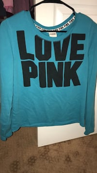 Pink sweater. Size small. Pick up only   Jacksonville, 28540