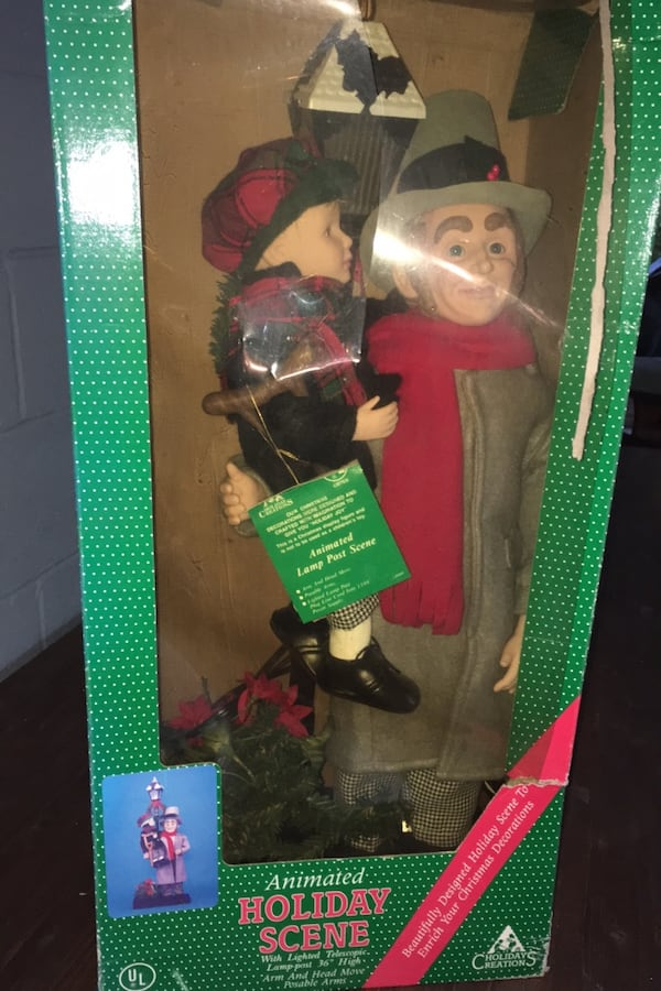 Bob cratchit tiny Tim new never used in box.. moves lights up 4a0764af-51ec-4c81-b320-45ab3b26e0b9