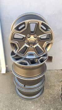 black and gray 5-spoke car wheel set Sacramento, 95822