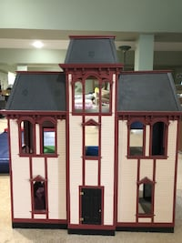 Gray and brown wooden dollhouse Boonsboro, 21713