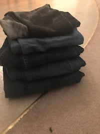 5 pair of jeans Spruce Grove, T7X
