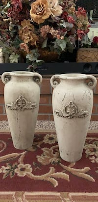 Pair of old world distressed outdoor indoor vases Grand Junction, 81507