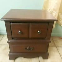brown wooden 2-drawer nightstand Hialeah, 33012