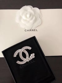 Brand new Chanel style brooch super cute  New York, 11354