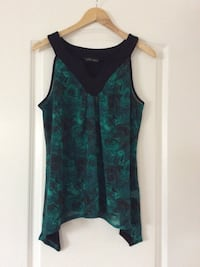 Women's green and black sleeveless floral top