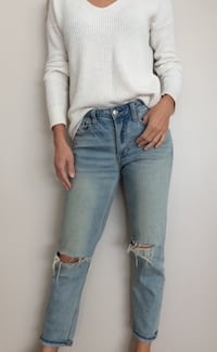 American Eagle woman jeans, size 4 Burnaby, V5H 4E4