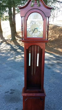 TEMPUS FUGIT GRANDFATHER CLOCK ,WORKS HAVE UNIVERSAL KEY