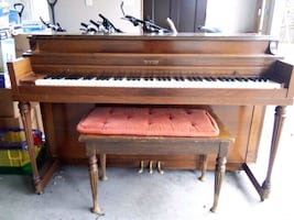 Winter Upright Piano