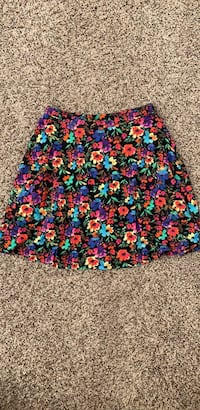 Floral skirt, size small. Only worn once Reston, 20191
