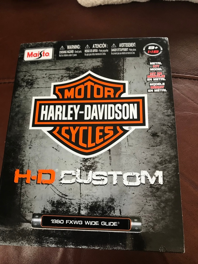Photo NIB Harley Davidson Wide Glide custom motorcycle model kit