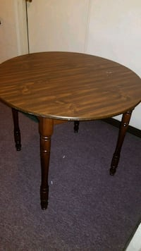 Coffee table/ dining table  Pittsburgh, 15206