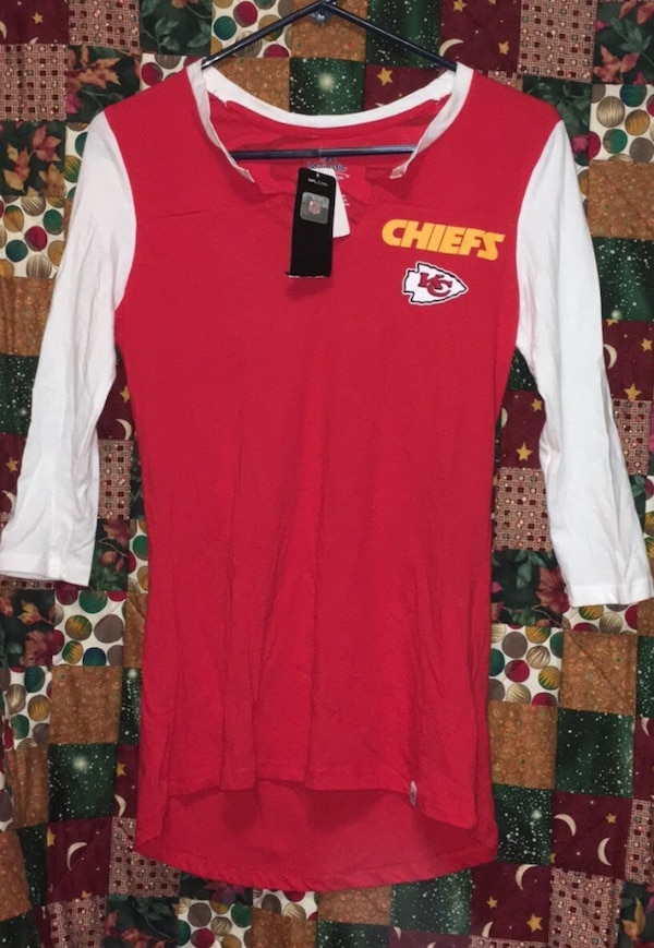 new concept 1a710 e721e BRAND NEW WITH TAGS KC Chiefs Shirt