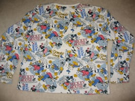 WALT DISNEY CO. MICKEY FAMILY SWEATSHIRT SPECIAL EDITION