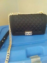 black leather quilted crossbody bag Toronto, M1G 3S9