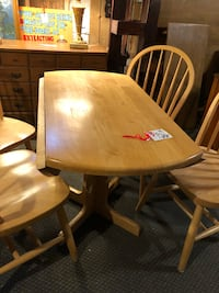 Drop leaf kitchen table and 4 chairs